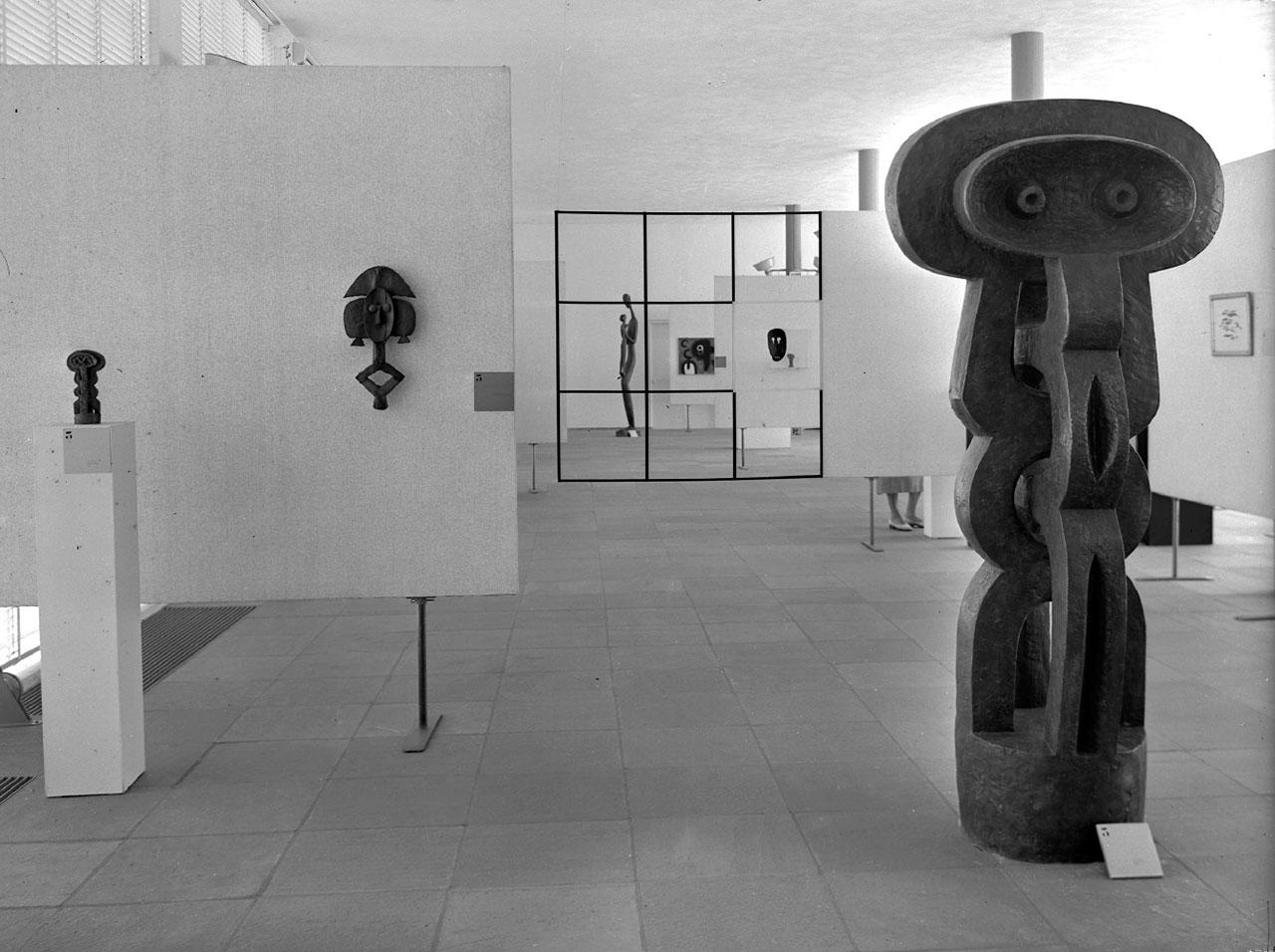13.exhibition_moderne_kunst_stedelijk_1955