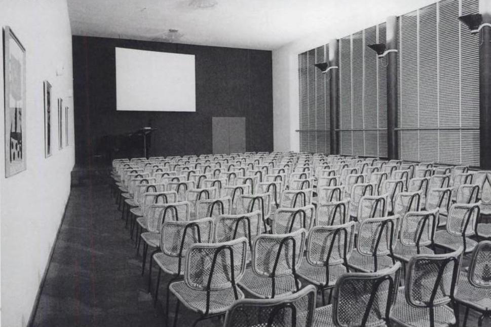 4.auditorium_stedelijk_1954